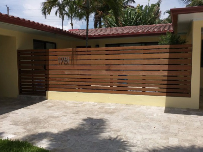new privacy wooden fence install